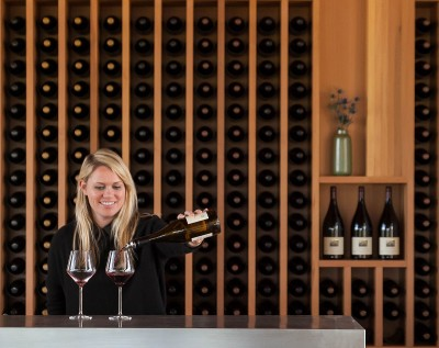 Maximizing Tasting Room Sales Through the Visitor Experience